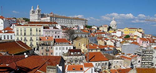 Lissabon Alfama Portugali source:http://www.flickr.com/photos/t_p_s/2896626238/