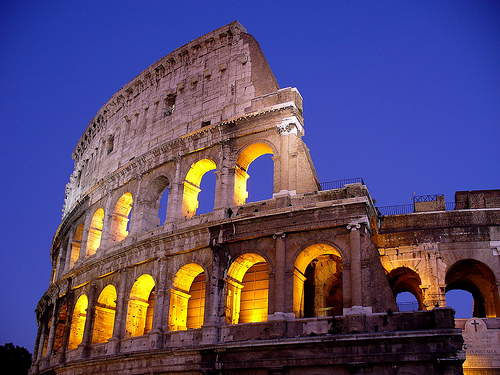 Rooma Italia Colosseum source:http://www.flickr.com/photos/yeowatzup/324474520/