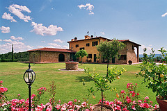 Toscana Italia source:http://www.flickr.com/photos/toprural/3384547847/