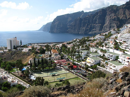 Los Gigantes Teneriffa matkat source: http://www.flickr.com/photos/arsalank2/521444801/