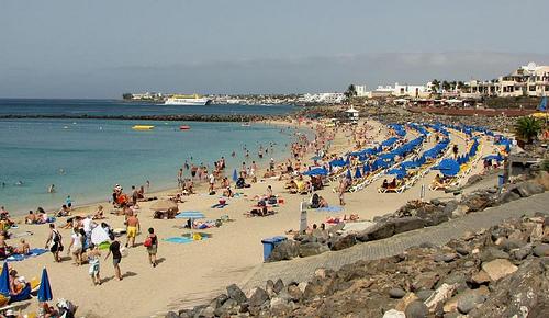 Lanzarote matkat source: http://www.flickr.com/photos/robby_van_moor/4834506663/sizes/m/in/photostream/